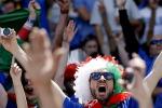 Non solo calcio a Euro 2016: la stravaganza dei tifosi italiani sugli spalti - Foto