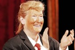 Imita sul palco Donald Trump, a New York lo show di Meryl Streep - Video