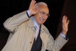 Auguri al monumento nazionale della tv, Pippo Baudo compie 80 anni: le foto della sua carriera