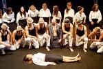 Ventitré attori e una regista: realizzare un sogno partendo dal palco