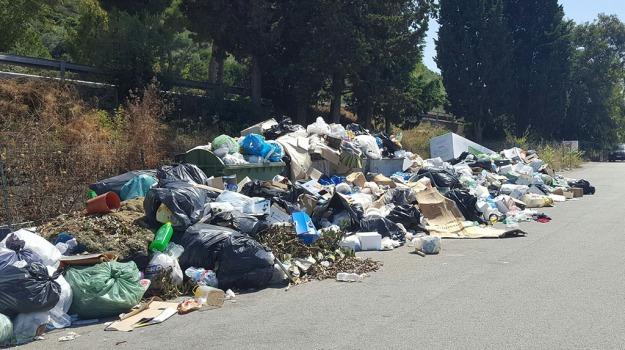 rifiuti in sicilia, Leoluca Orlando, Rosario Crocetta, Vania Contrafatto, Sicilia, Politica