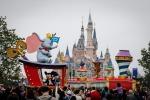 Costruito in 5 anni per un costo di 6 miliardi di dollari: apre a Shanghai il primo parco Disney - Foto