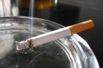Sigaretta e caffè, scienza spiega perchè sono inscindibili