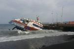 Il naufragio a Stromboli: si passa al recupero