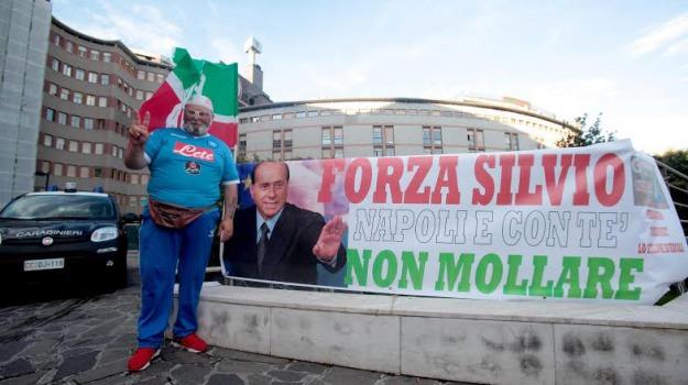 operazione al cuore, ospedale san raffaele, Silvio Berlusconi, Sicilia, Politica