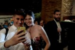 Bianca Balti incanta al Taormina film fest, tra sorrisi e selfie con i fan - Video