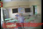 Bidello fermato a Ragusa per abusi: ecco le immagini degli approcci - Video