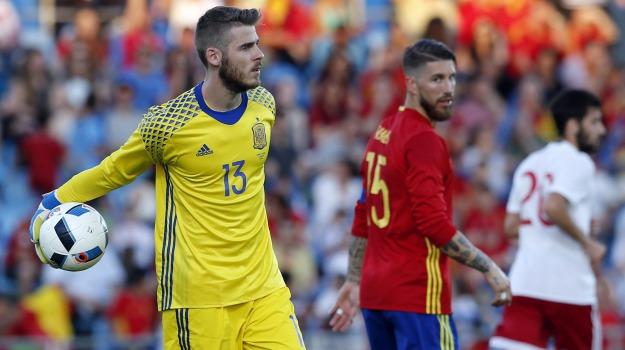 Euro 2016, luci rosse, scandalo, David De Gea, Sicilia, Sport