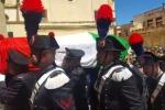 Chiesa gremita e applausi al funerale del carabiniere ucciso a Marsala