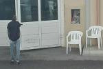 Migranti, l'hospot di Pozzallo è stracolmo