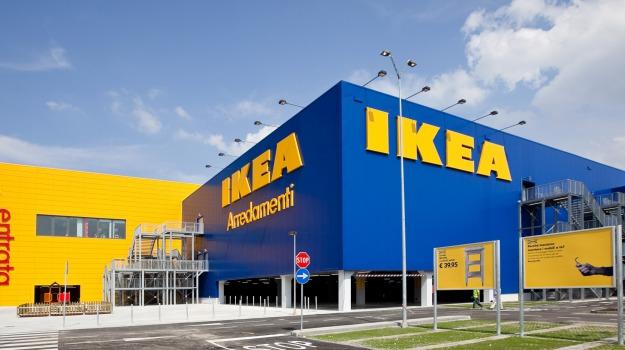 Ikea, Sicilia, Mondo