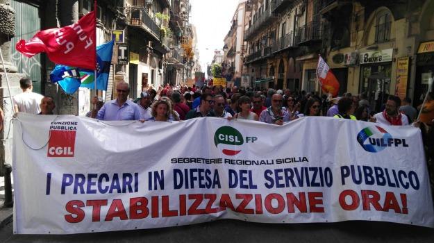 precari enti locali, Sicilia, Economia