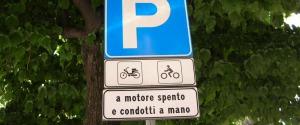 Via Valore a Messina diventa un parcheggio a pagamento