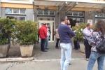 Stabilizzazione sospesa, nuova protesta dei 36 precari del Civico - Video