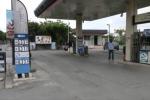 Palermo, benzinaio ferito: le immagini del luogo della rapina - video