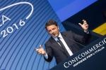 """Renzi criticato dai commercianti: """"Nel 2017 nessun aumento dell'Iva"""""""