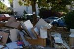 Mobili e frigoriferi per strada, discarica a cielo aperto a Palermo - Le foto
