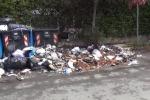 Mezzi guasti, cumuli di rifiuti sulle strade a Palermo - Video