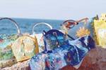 Colori di Sicilia per borse e foulard: accessori decorati con mare e pesci