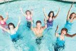 Restare in forma sfidando il caldo: l'acqua zumba regina dell'estate