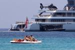 Dotato di spa, ascensore e cineteatro: a Mondello il mega yacht dell'uomo più ricco di Russia - Foto