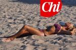 Inedita Maria De Filippi: in spiaggia il bikini... è sexy - Foto
