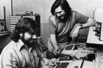 Costava oltre 600 dollari: 40 anni fa andava in vendita il primo computer Apple