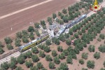 Impatto frontale tra due treni in Puglia, le immagini dal luogo dell'incidente: scene surreali