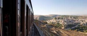 """""""Barocco Line"""", tornano i treni speciali da Siracusa al Ragusano: tutte le tappe"""