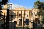 Nuovi arredi, Villa Napoli a Palermo cambia look