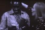 Dalla Nigeria al Canada per Adele, il fan viene ricambiato con un...bacio