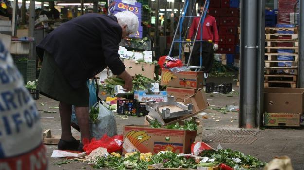 famiglie disagiate, Palermo, poveri, povertà, Sicilia, Economia