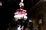 In migliaia al Festino. Sfila il carro, spettacoli e danze - Foto e video