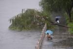 Cina, almeno 75 morti e molti dispersi per il maltempo