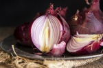 Partanna, agricoltori creano un'associazione per la cipolla rossa