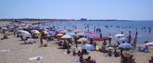 Coronavirus, stretta anti contagio: nel Ragusano spiagge vietate la notte di Ferragosto