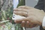 Follia a Las Vegas, uomo si sposa con il suo...iPhone - Video