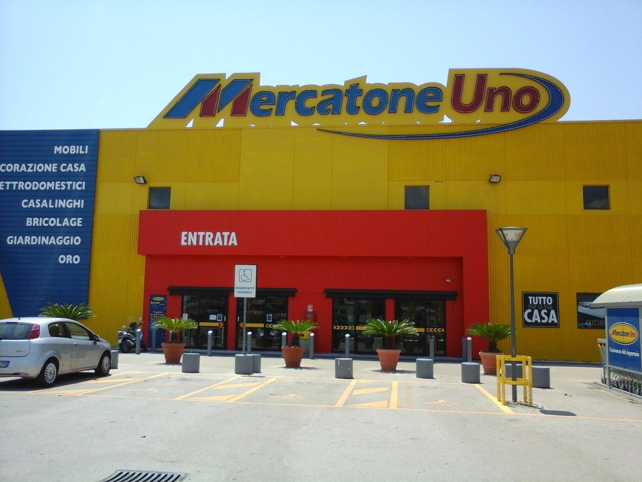 Mercatone uno a rischio dipendenti in tutta italia for Mercatone uno palermo camerette