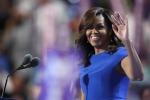 """La Clinton """"deve essere presidente"""". Michelle Obama e Sanders tifano per lei"""
