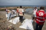 Nuova strage nel Mar Mediterraneo, trovati 41 corpi su una spiaggia libica