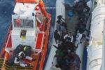 Naufragio di donne nel canale di Sicilia: fermati due presunti scafisti