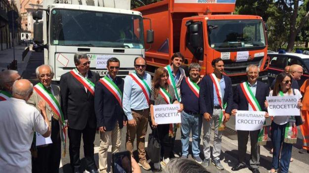 emergenza rifiuti, protesta sindaci, regione, Sicilia, In Sicilia così