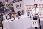 Pd, Renzi tira dritto: referendum cruciale. Cuperlo: ci porterà alla sconfitta