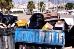 Trapani, cassonetti stracolmi di rifiuti: mezzi insufficienti per la raccolta
