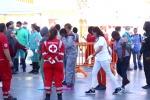 Sbarcati a Palermo 652 migranti: le immagini del loro arrivo al porto - Video