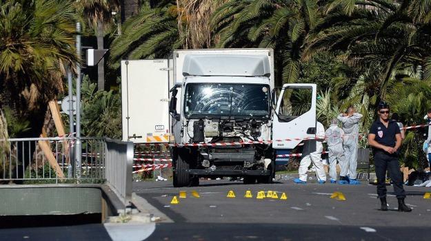 attacco, attentato, camion, terrorismo, Sicilia, Mondo