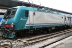 Sale sul treno senza biglietto e aggredisce poliziotti, arrestato a Taormina