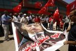 Turchia, dura reazione al golpe fallito: arrestati 2.800 militari, giudici rimossi. 265 le vittime