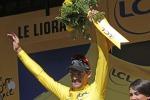 Tour de France: Van Avermaet è la nuova maglia gialla, Nibali è fuori classifica