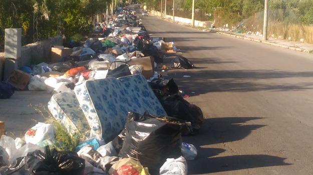 emergenza rifiuti sicilia, Sicilia, In Sicilia così